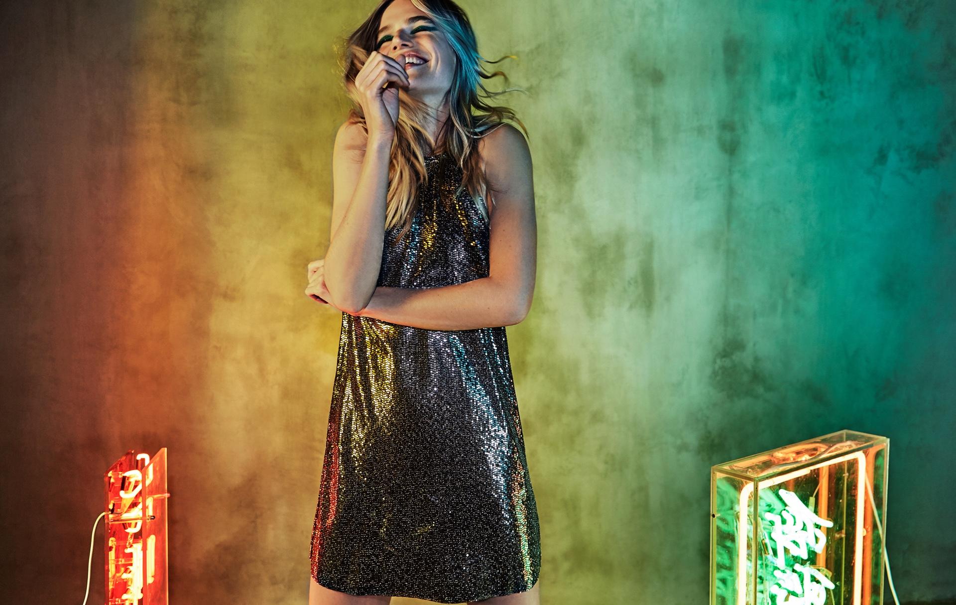 new product f5d92 d18f6 Abiti oro, argento e glitter da indossare a Natale e ...