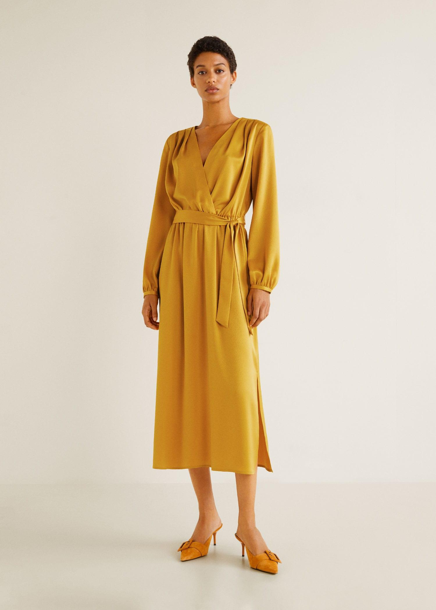 Abito oro satinato color oro Mango a 69,99 euro
