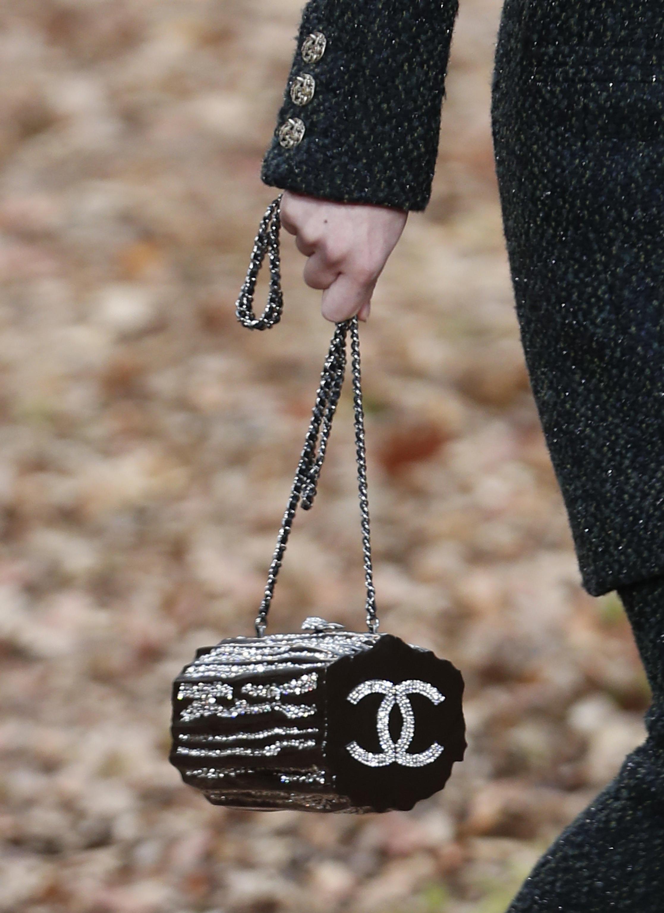Borsa da sera con logo Chanel