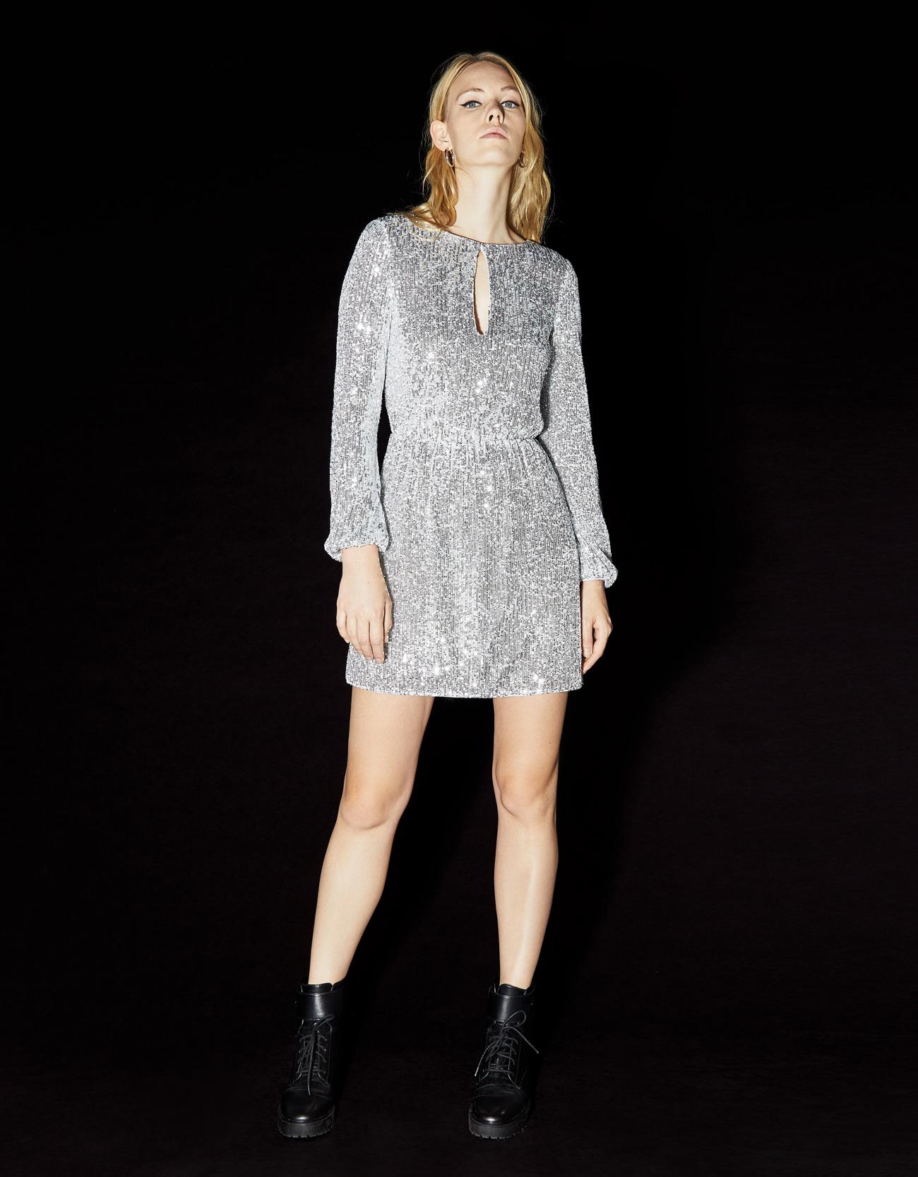 Vestito glitter argento Bershka a 45,99 euro