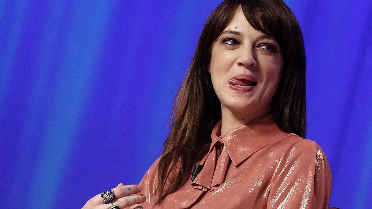 Asia Argento: l'attrice disperata dopo l'addio a Fabrizio Corona