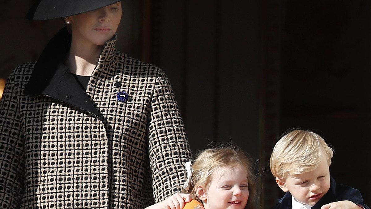 La principessa Charlène posta la foto dei figli Jacques e Gabriella di Monaco: scatto virale sui social