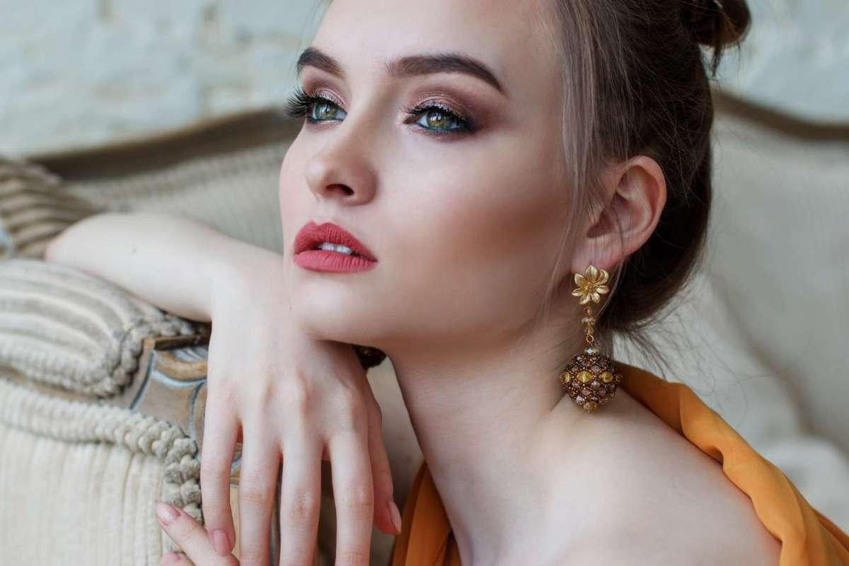 I prodotti make-up da avere in borsa durante il Veglione di Capodanno