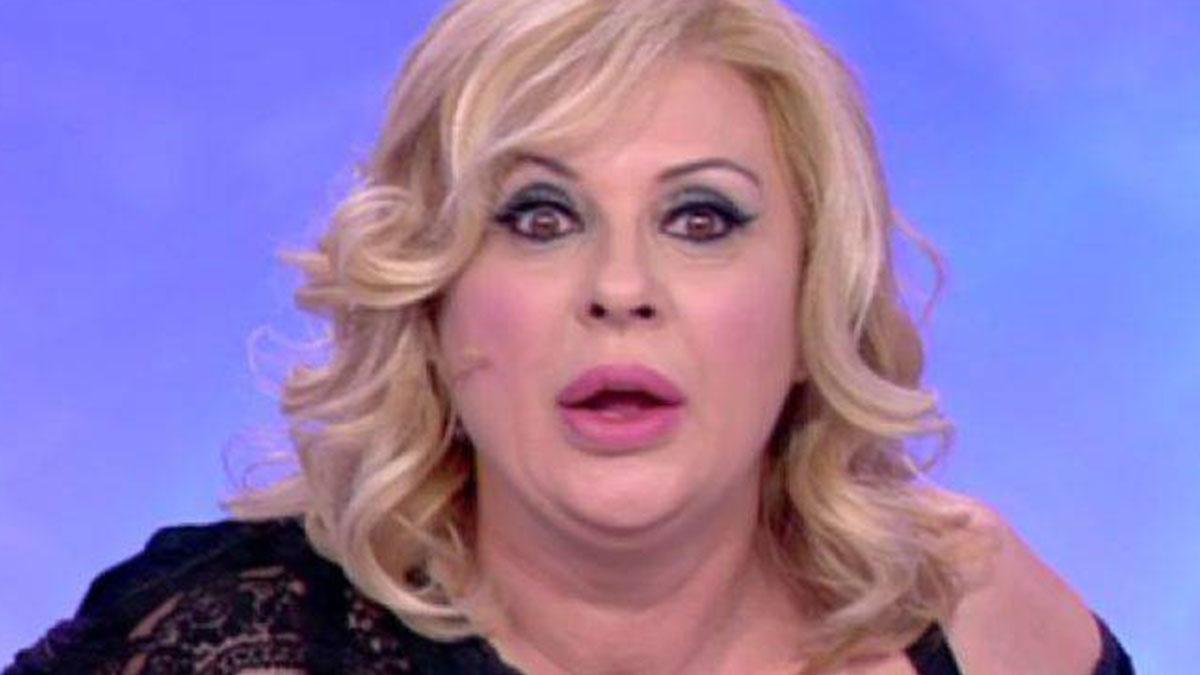 Tina Cipollari contro Angela Di Iorio: 'Arrampicatrice sociale'