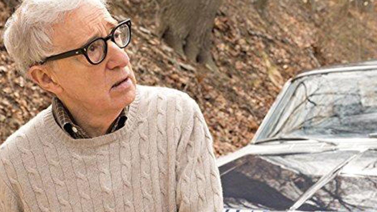 Ex modella rivela: 'A 16 anni una storia con Woody Allen'