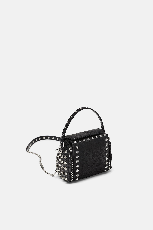 Borsa a tracolla con borchie Zara a 39,95 euro