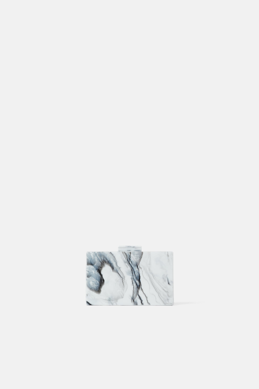 Borsa da sera effetto marmo Zara a 39,95 euro