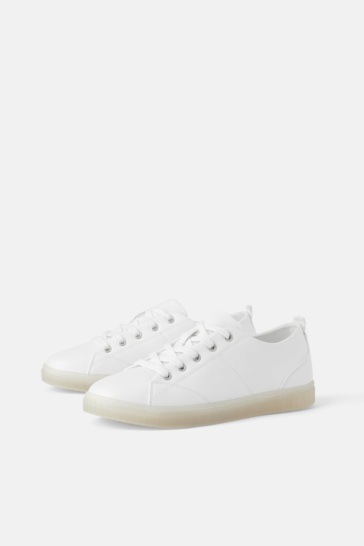 Sneakers bianche Zara a 29,95 euro
