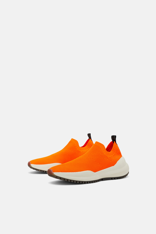 Sneakers in tessuto elasticizzato Zara a 39,95 euro