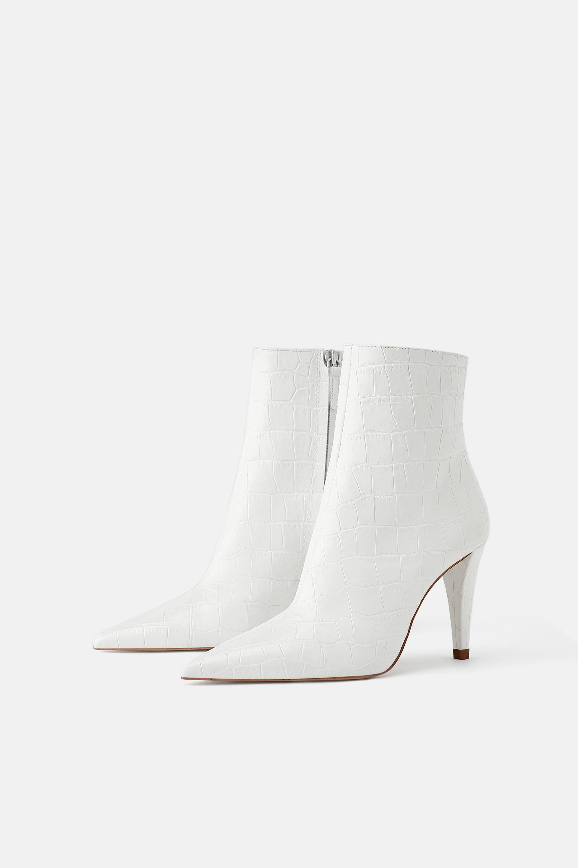 Tronchetti bianchi Zara a 89,95 euro