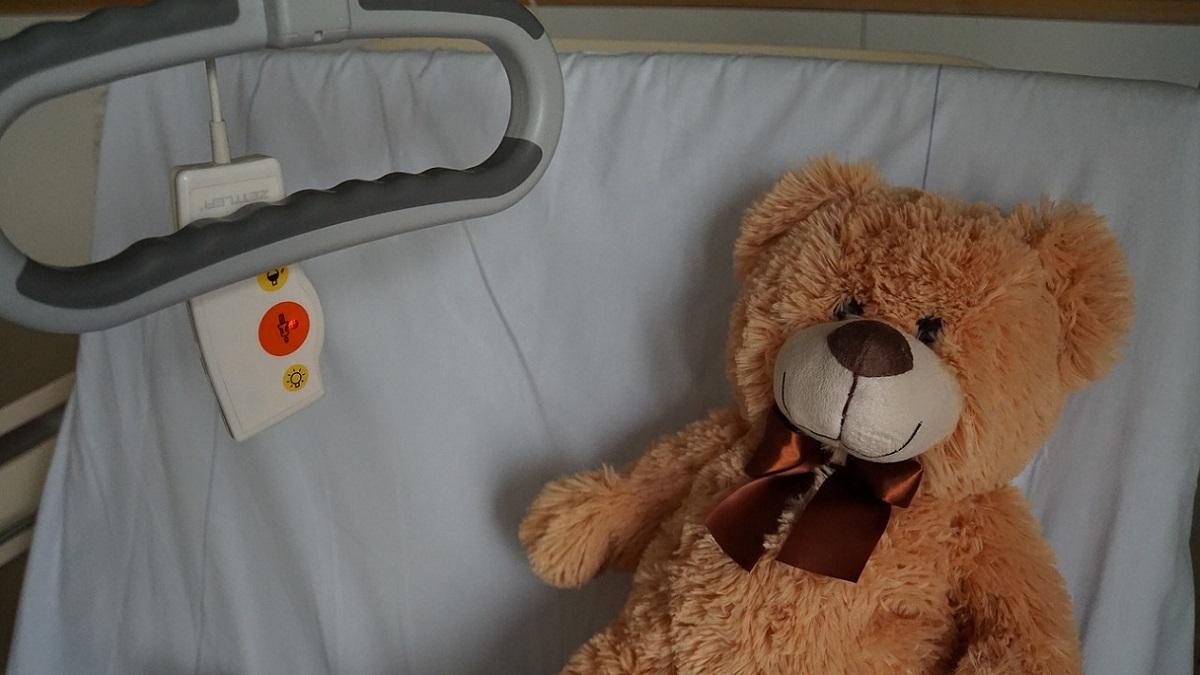 Turchia, bambino di 6 anni muore dopo 3 giorni di coma: il padre l'ha picchiato con un tubo perché non ha fatto i compiti