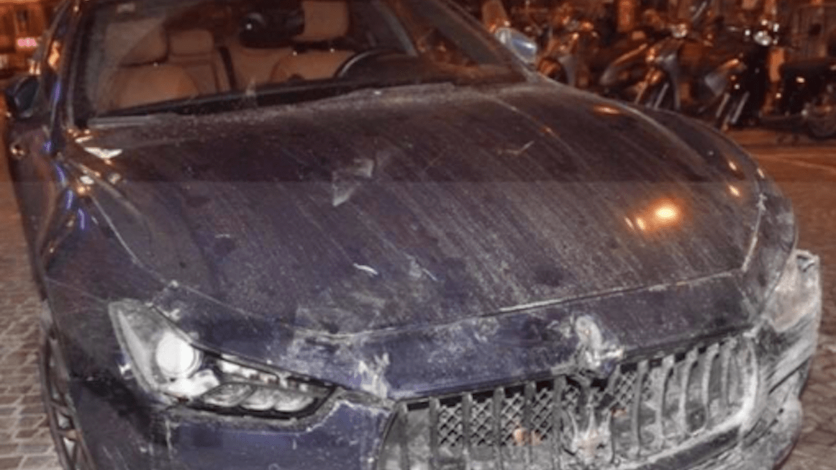 Paura per Enrico Ruggeri: schianto sull'autostrada A10