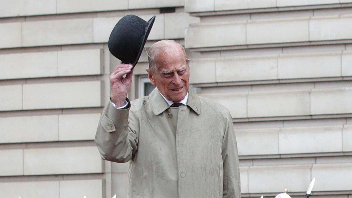 Paura per il principe Filippo: il marito della regina Elisabetta II ha avuto un incidente