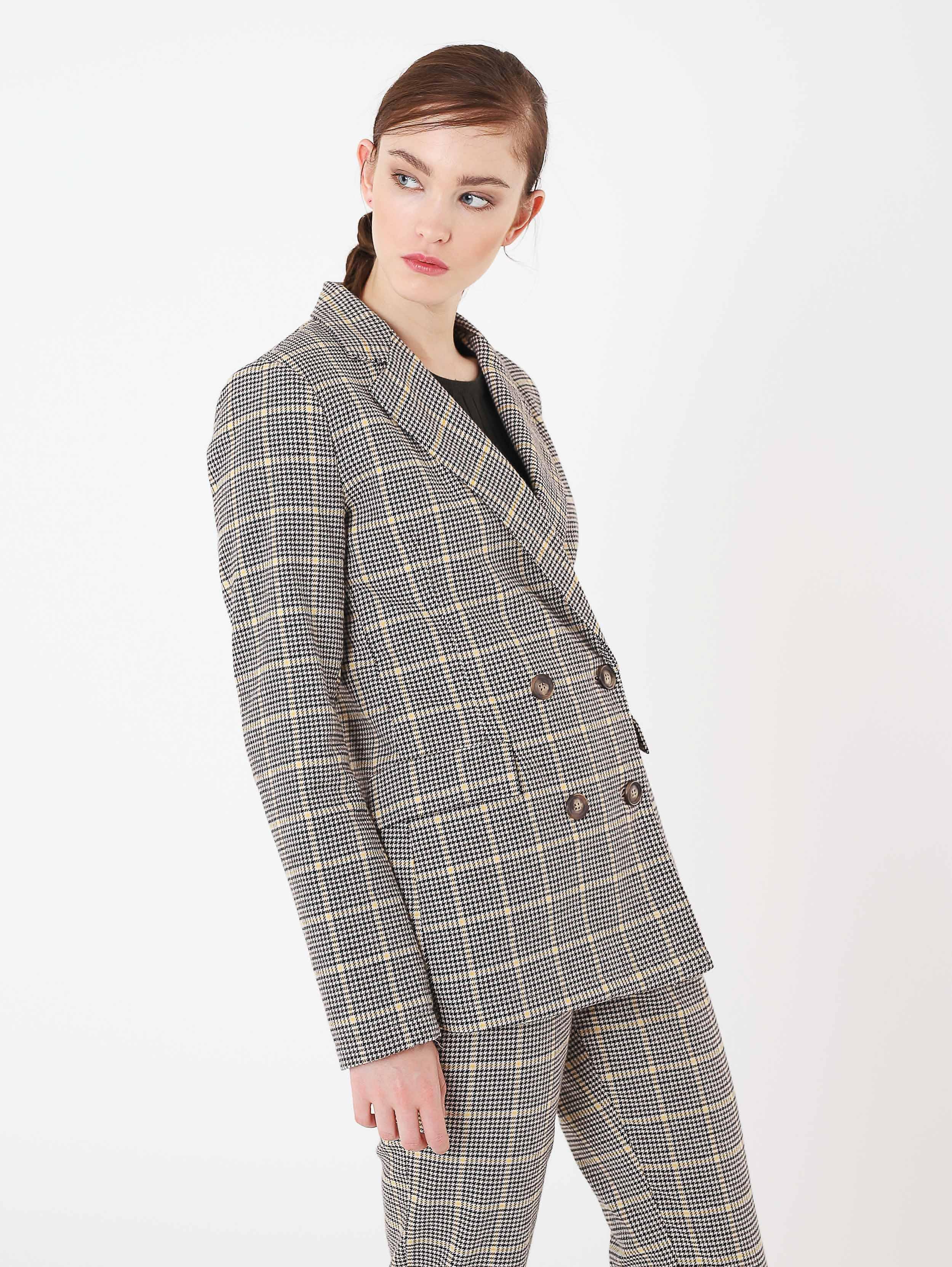 Giacca blazer doppiopetto oversize a 39,99 euro
