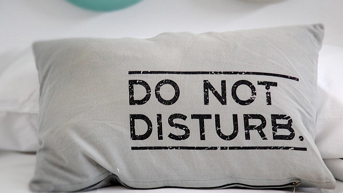Si può davvero smettere di russare: ecco il cuscino che fa miracoli e costa soltanto poche sterline