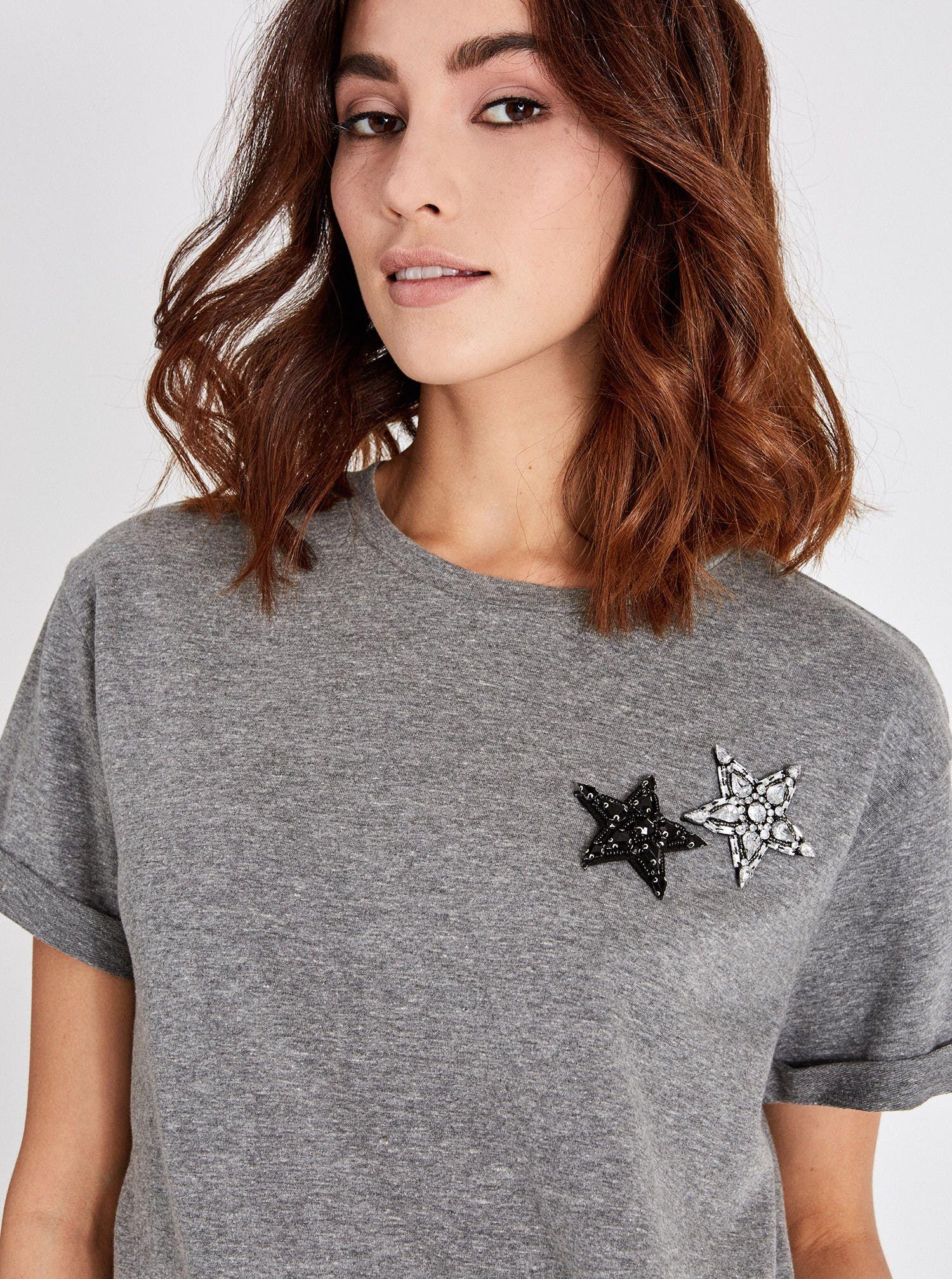 T-shirt con applicazioni Piazza Italia a 10,95 euro