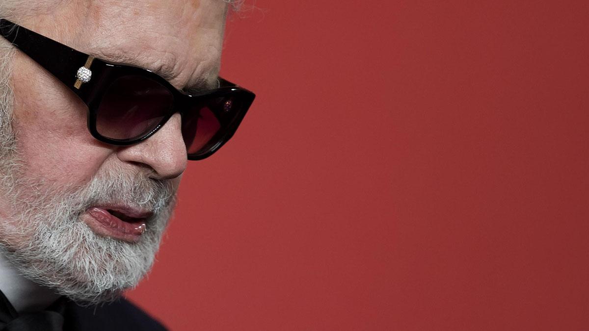 È morto Karl Lagerfeld, stilista visionario e direttore creativo di Chanel e Fendi