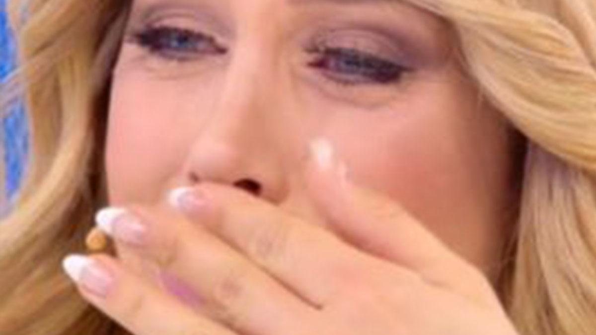 Paola Caruso a Domenica Live: lettera della presunta madre naturale