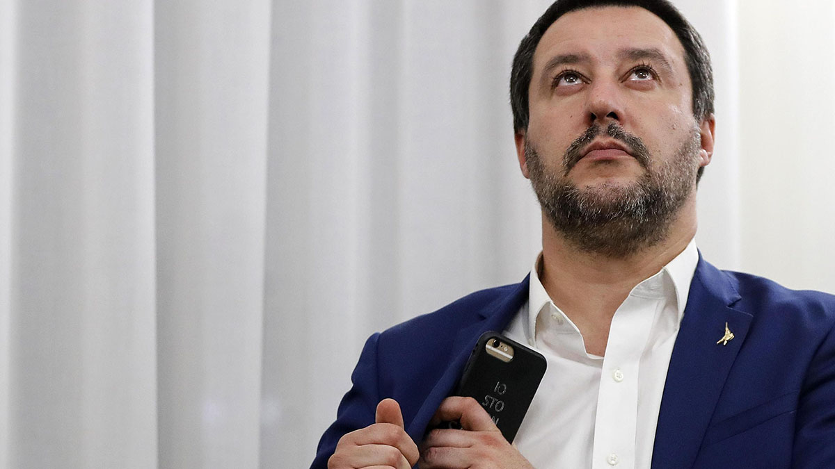 San Valentino amaro per Matteo Salvini: 'Festa da abolire'