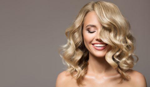 Tagli capelli medi mossi