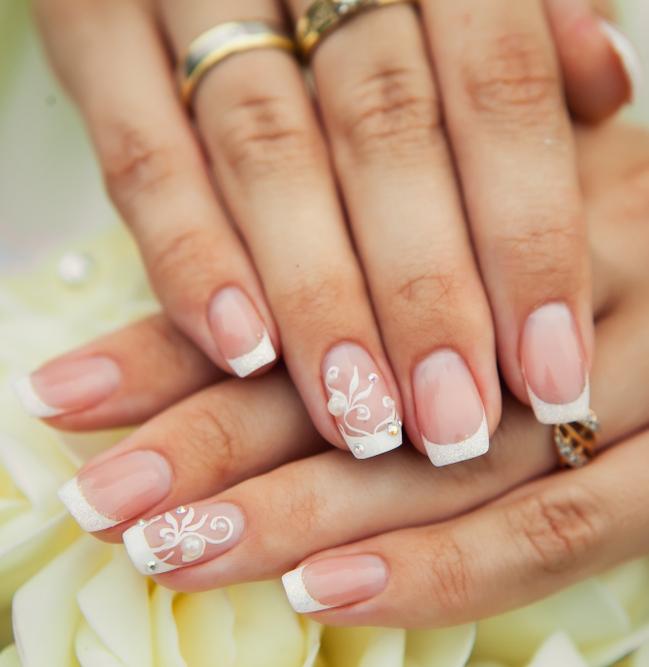 Decorazione unghie sposa per la primavera