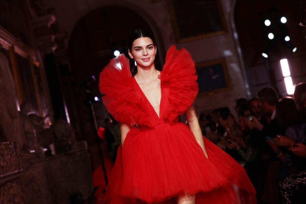 L'ultima collaborazione di H&M con Giambattista Valli è centrata sul tulle