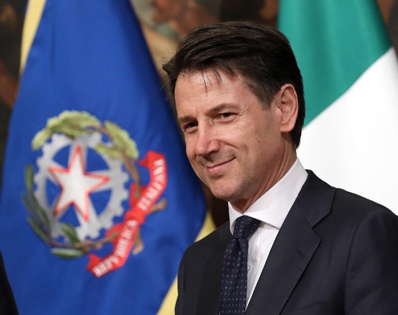 Giuseppe Conte: il nuovo sex symbol delle italiane?