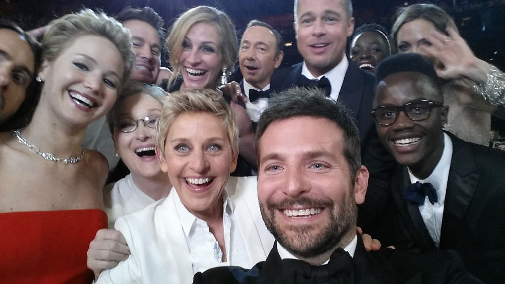 Famosissimo selfie durante gli Oscar in cui compare Meryl Streep