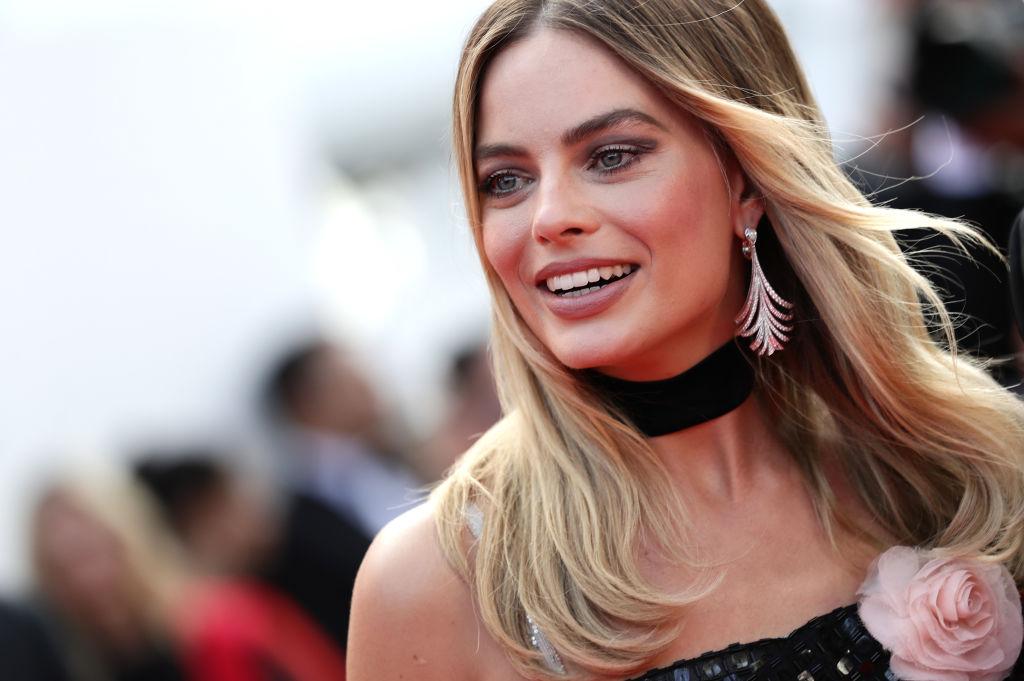 Bellissima Margot Robbie sul red carpet di Cannes