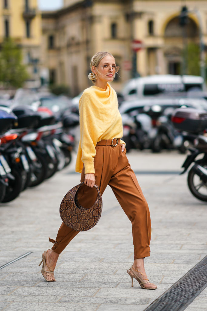 Look con maglia tendenze autunno 2020