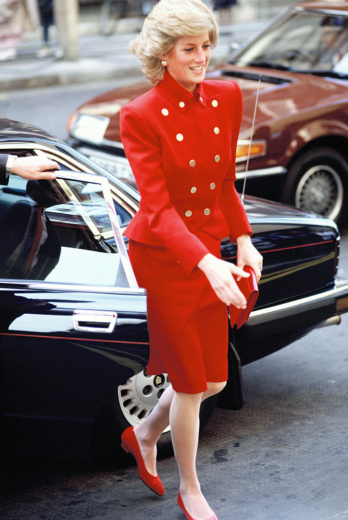 Look tailleur rosso