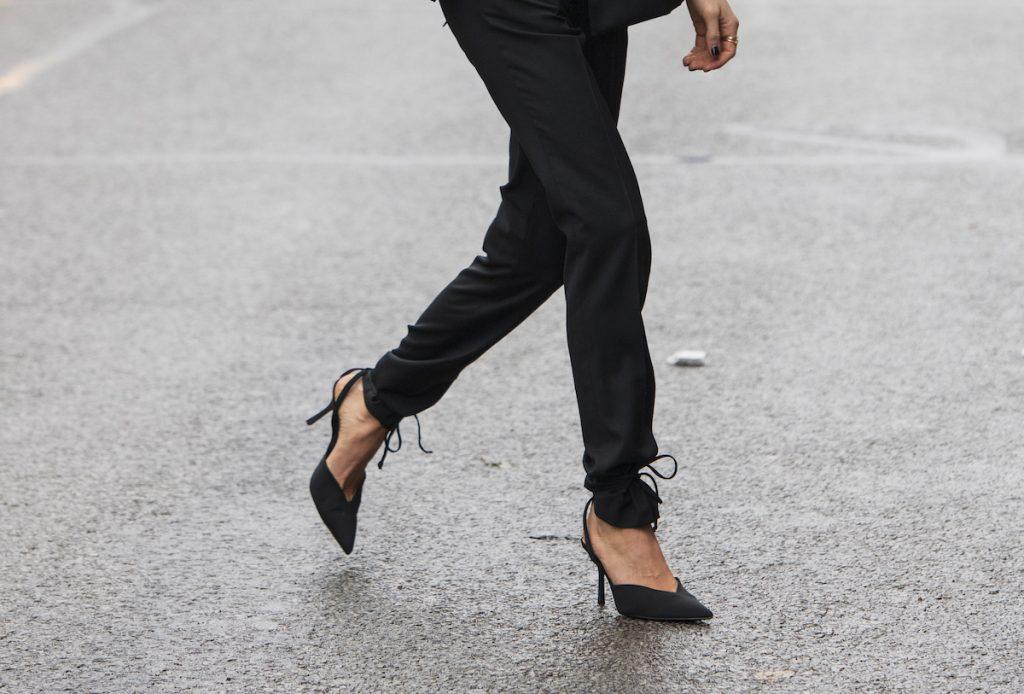 décolleté slingback pantaloni