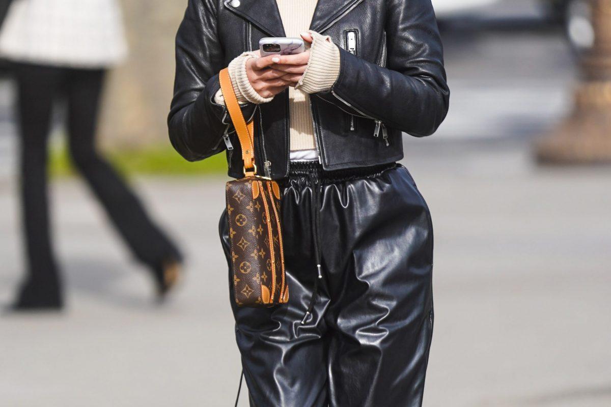 Giacche, pantaloni, gonne: la pelle non passa mai di moda