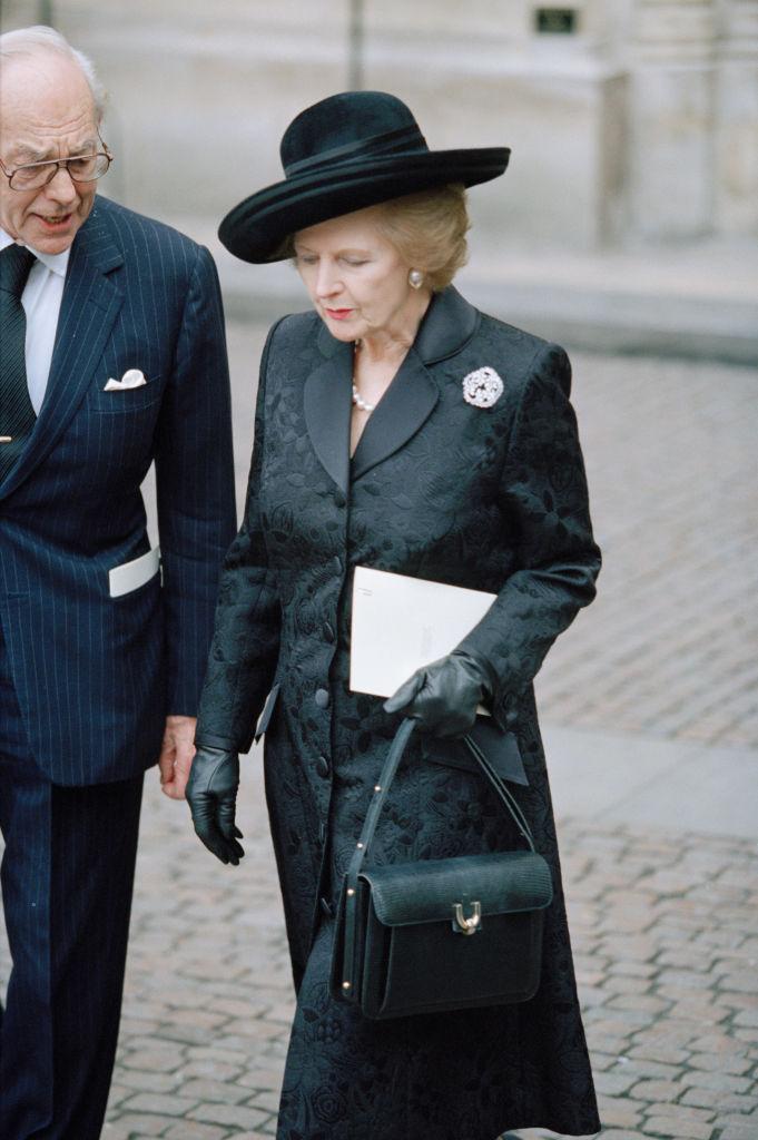 Look austero borghese di Margaret Thathcer