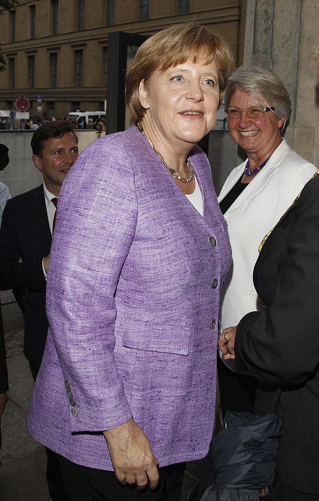 Angela Merkel giacca viola