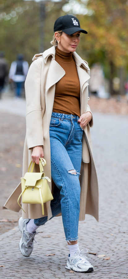 Look giorno jeans e sneakers