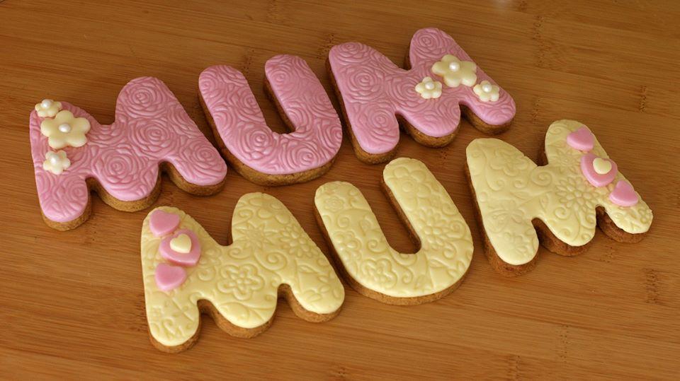 Biscotti a forma di lettera