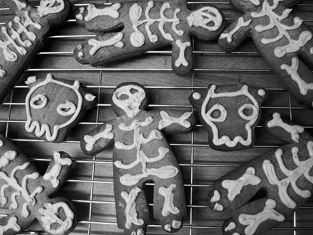 Biscotti a forma di scheletro per Halloween