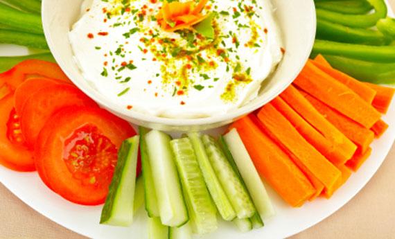 Come tagliare le verdure per il pinzimonio pourfemme for Idee per aperitivo a casa