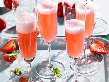 Cocktail proseccon con fragole