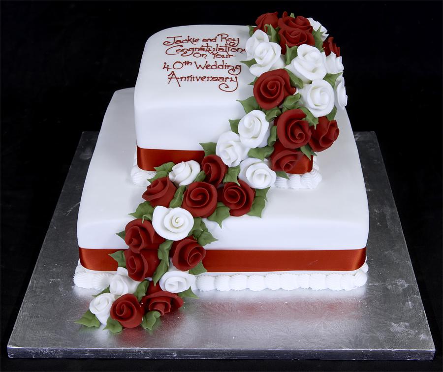 Idee originali per le decorazioni di torte foto pourfemme for Decorazioni torte 40 anni uomo
