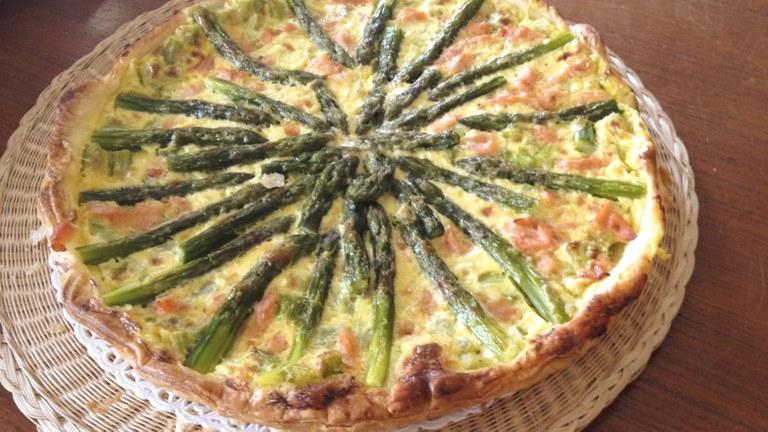 Frittata al forno di salmone e asparagi