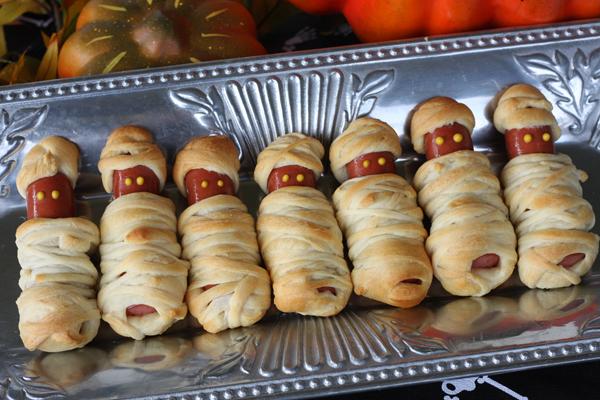 Mummie di Halloween con wurstel vegan