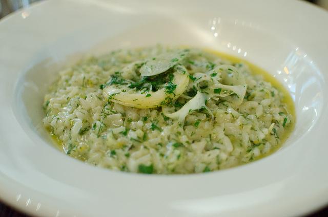Il risotto con zafferano e finocchi è un primo piatto davvero ...