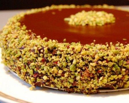 Torta con cioccolato e pistacchi