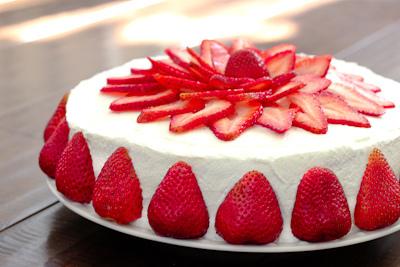 Torta panna e fragola la ricetta
