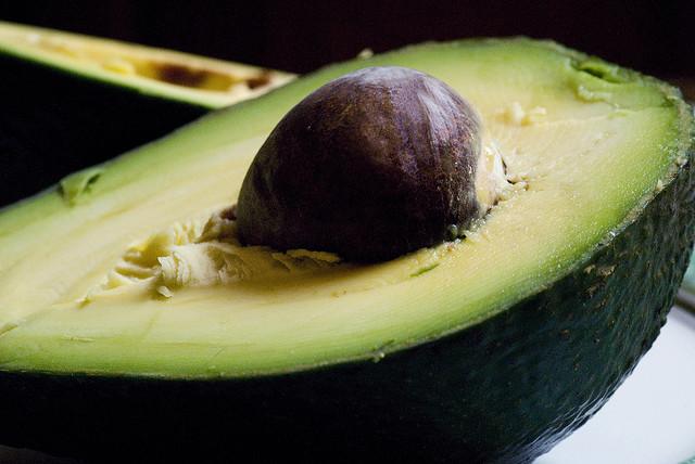 avocado in frigo