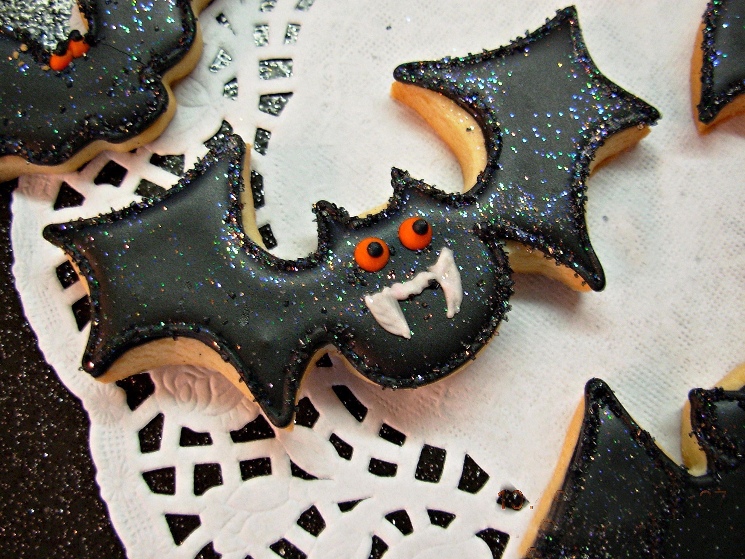 Biscotti a forma di pipistrello