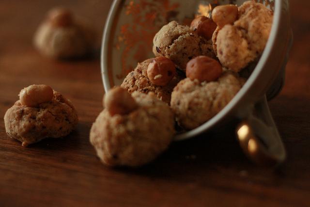 biscotti autunnali alle nocciole