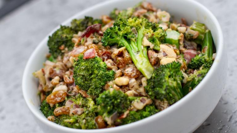 broccoli con olive e cipolle
